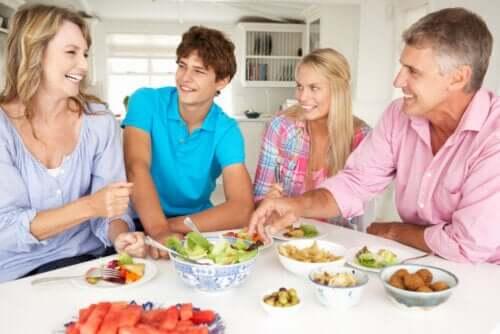 prevenire gli attriti in famiglia è importante per evitare conflitti con gli adolescenti durante la quarantena