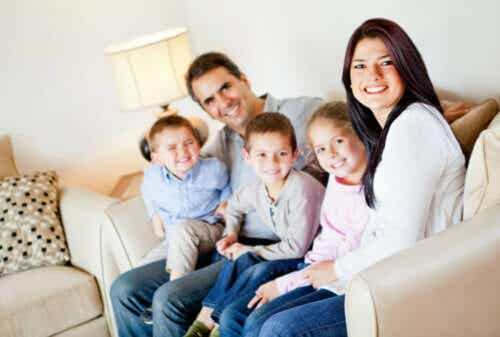 Come insegnare ai figli ad avere un'immagine positiva di se stessi