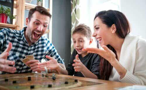 6 giochi da tavolo per giocare in famiglia ai tempi del Covid-19