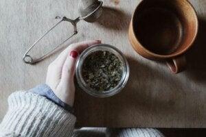 I migliori tè e tisane durante la gravidanza