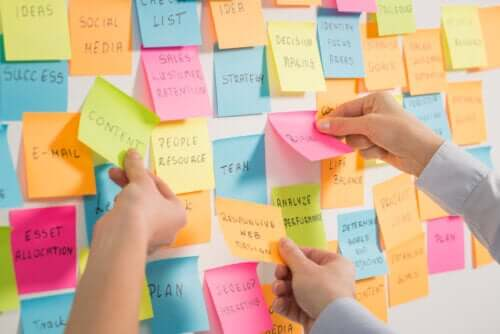 Post it con idee del brainstorming.