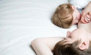 L'allattamento al seno e il suo effetto calmante