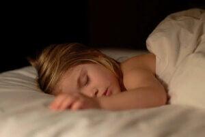 9 trucchi per aiutare i bambini a non bagnare il letto