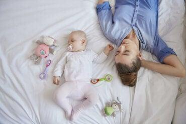 Il sonno della madre dopo la nascita del bebè