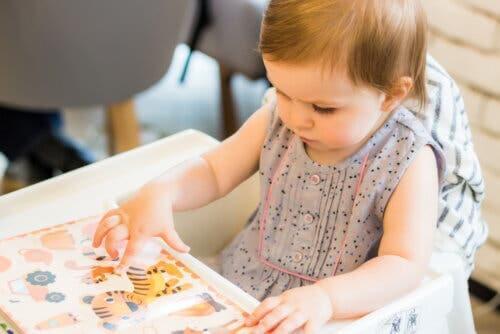 bambina libro per bambini con protagonisti animali