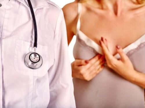 Visita medica per mastite