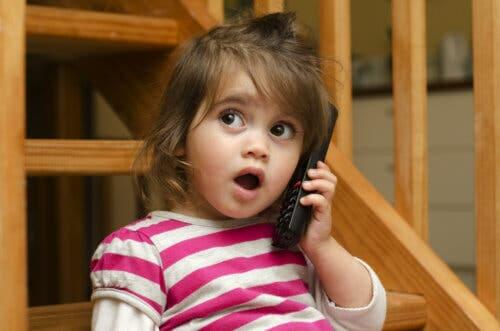 Esercizi per stimolare il linguaggio nei bambini da 1 a 2 anni