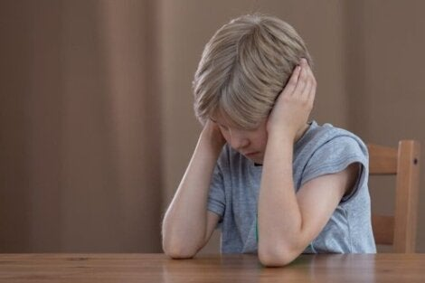 Bambino ipersensibile che non vuole ascoltare.