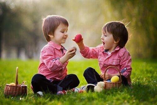 5 modi per migliorare le abilità sociali di vostro figlio