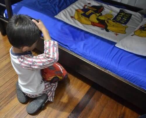 Bambini e pipì a letto: quando consultare il pediatra?