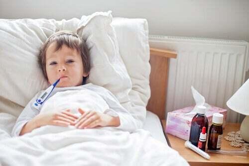 Bambino malato a letto
