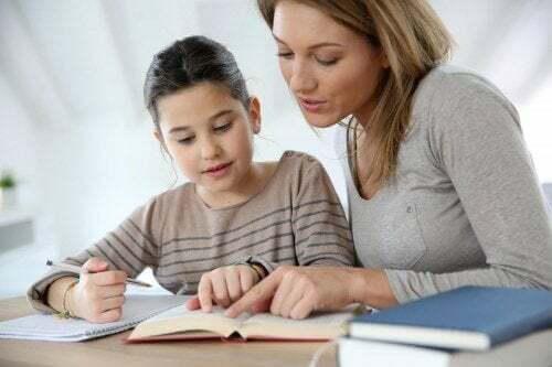Insegnare a vostro figlio a studiare.