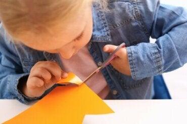 Lateralità crociata nei bambini: influisce sulle prestazioni?