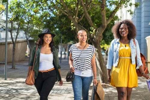 5 tipi di amiche di cui ogni madre ha bisogno