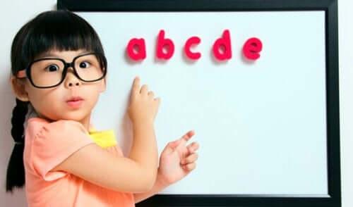 Problemi di vista nei bambini: come fare a riconoscerli?