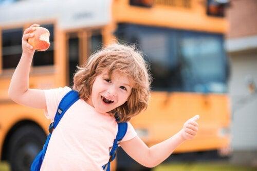 7 frasi per motivare il bambino a scuola