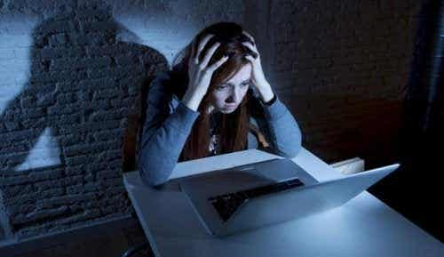 I pericoli del web: cyberbullismo, sexting e grooming