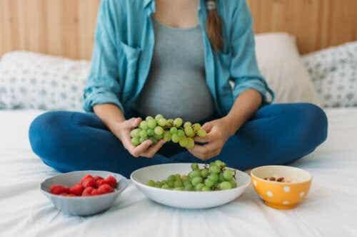 Una cattiva alimentazione in gravidanza può causare obesità infantile
