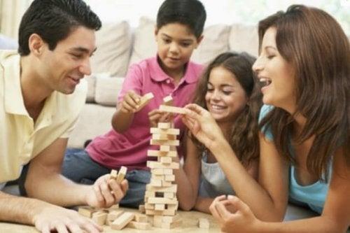 7 giochi da fare con tuo figlio