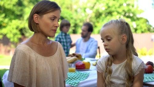 Genitori esigenti: ecco 5 errori da non commettere nell'educazione dei figli
