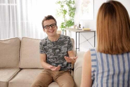 Le tre parole magiche per comunicare con un figlio adolescente