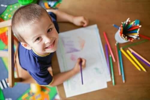 10 modi per intrattenere i bambini senza usare tablet e cellulare