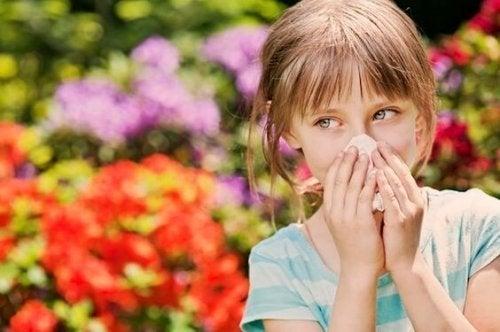 Come evitare la rinite allergica nei bambini