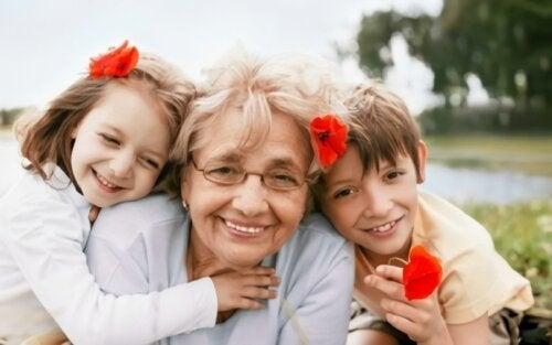 Non voleva prendersi cura dei nipoti e preferiva viaggiare: nonna egoista?