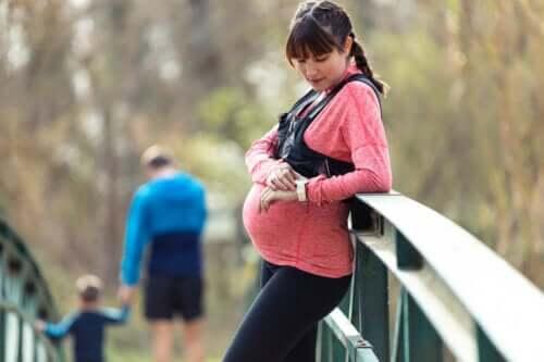 Abbigliamento sportivo per donne in gravidanza: cosa indossare?