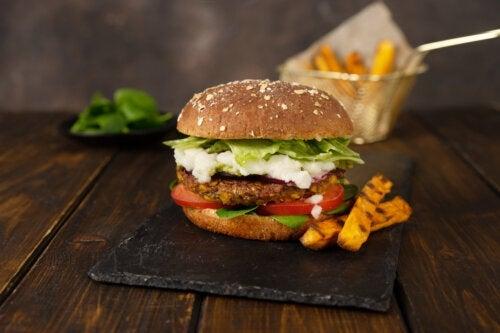 Hamburger di lenticchie: una ricetta da preparare con i bambini