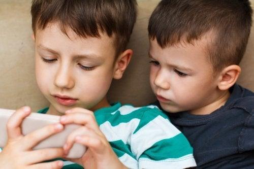 Vale la pena pagare per le app per bambini sui dispositivi mobili?