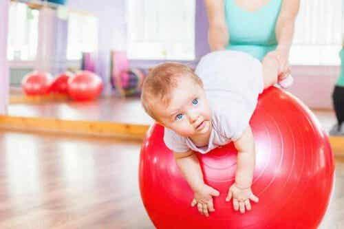 Ginnastica per bambini: 4 esercizi di stimolazione
