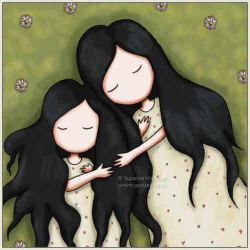 Mamma e figlia si abbracciano.