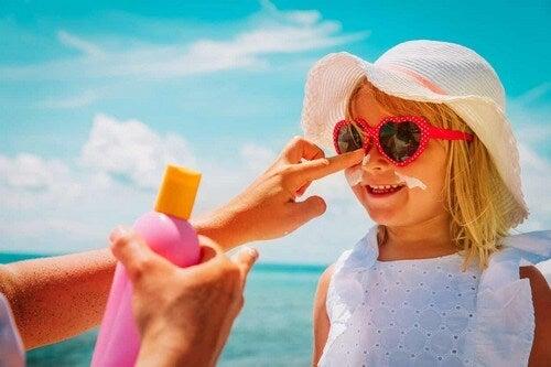 Protezione solare al mare.